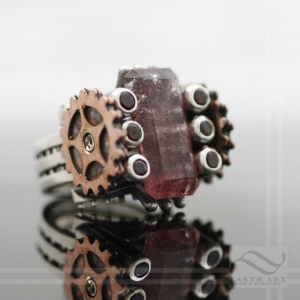 paddle wheel steamboat ring with strawberry quartz