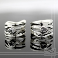 Diamond Wavy Path Rings