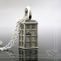 Tardis Pendant with Diamond